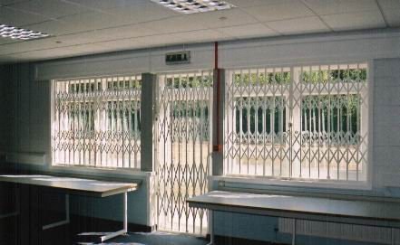 This is a Computer Room in a Local School - saved them £1,000's !!