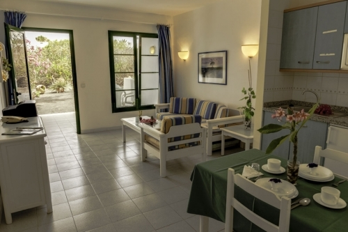 self catering full furnished holiday accommodation over 50s holidays in the sun.  Playa Blanca, Lanzarote