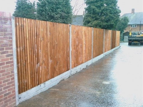 1800mm High Timber Close Board Cw Concrete Posts And Double Gravel Boards