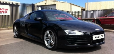 AUDI R8 - FULL MACHINE POLISH.