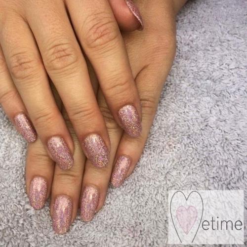 Hybrid Gel Poish Manicure at Metime