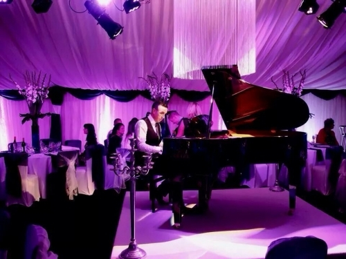 James B Perfect Pianist For Drinks Receptions