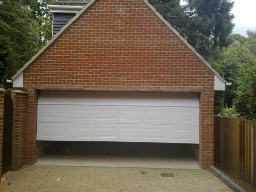Teckentrup Sectional Georgian Garage Door white