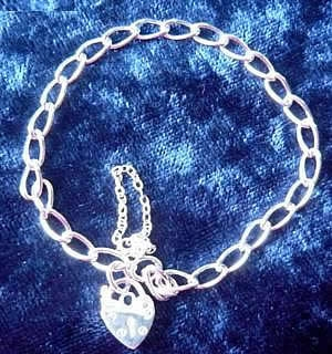 4 3mm Curb Padlock Bracelet
