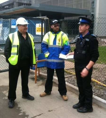 Our Building Site Security guard liaising with Hampshire Constabulary.