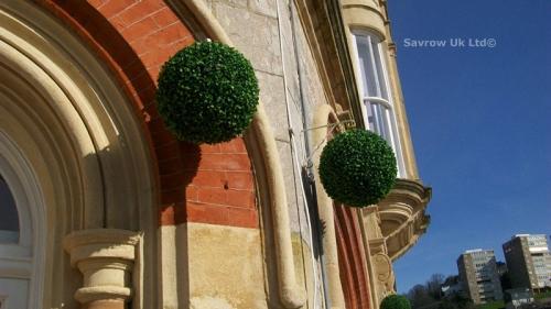 28cm Artificial Topiary Ball