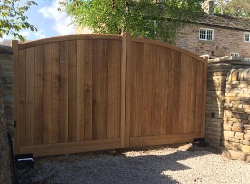 Bow Top Driveway Electric Wooden Gates - European Oak