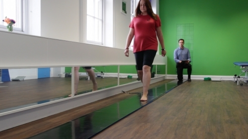 BxClinic - Footpressure Gait Analysis; clinically more useful than a treadmill