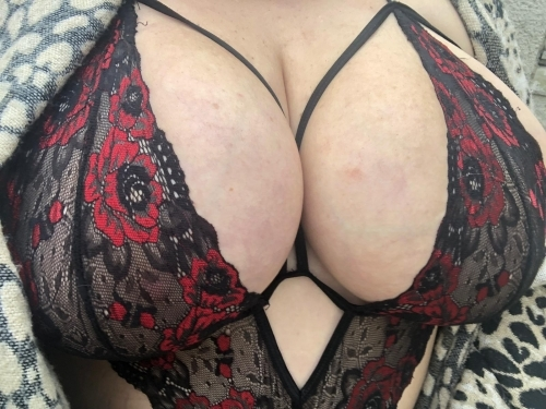 Bella bubbly English bbw blonde here every Tue and Fri