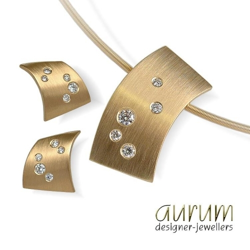 Handmade 18ct gold pendant and earrings with scattered diamonds