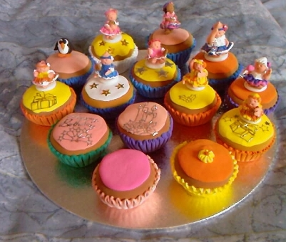 Air-drying clay cup cakes