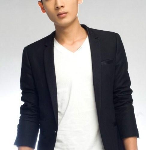 Senior Chinese Male Masseur: Eric