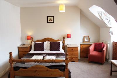 3rd floor Large Attic en-suite with Memory foam bed