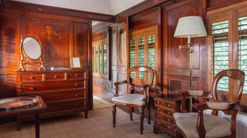 A King Pullman Room
