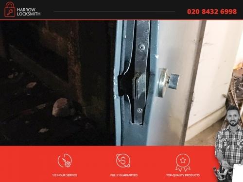 Harrow Locksmith | 020 8432 6998