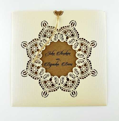 SC 5621 Exquisite vintage lace design pocket invitation