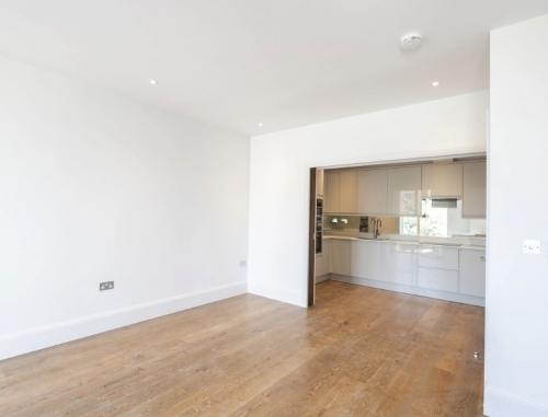 New build flat lounge/kitchen