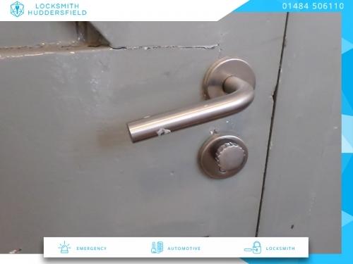 Locksmith Huddersfield | 01484 506110