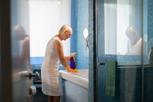 Bathroom Cleaning Tips 01