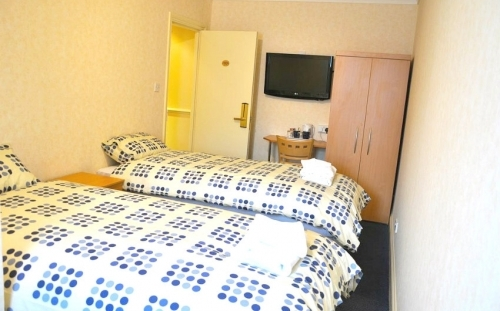 Twin room at Heathrow Lodge